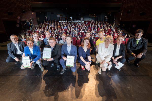 eTrend.sk: Stotisíc mladých podnikateľov skôr než diaľnica do Košíc. LEAF oceňoval talenty