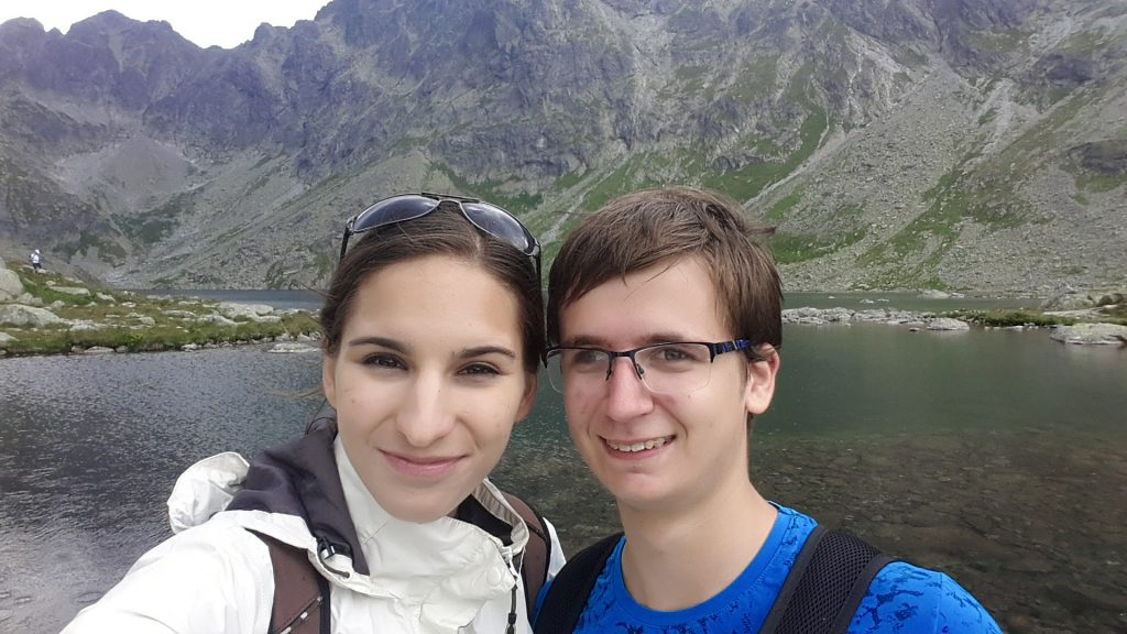 Mentee Dejan s mentorkou Miškou na Astronomickej výmene skúseností 2018.